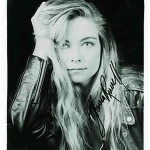 theresa-russel-autograph02
